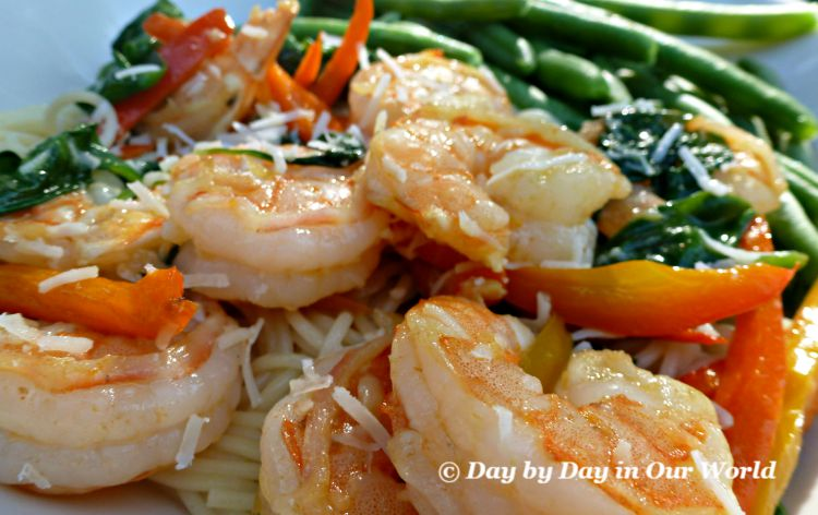 Shrimp with Peppers and Spinach | Quick and Elegant Dinner Entree