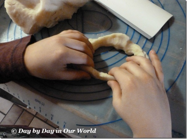 Basic Sculpting with Homemade Playdough ARTistic Pursuits Review