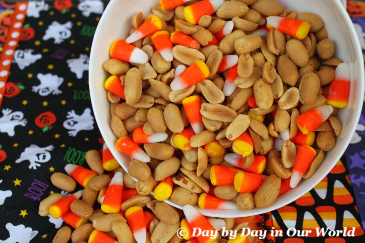 Mock Payday Bar Mix for Halloween Snacking
