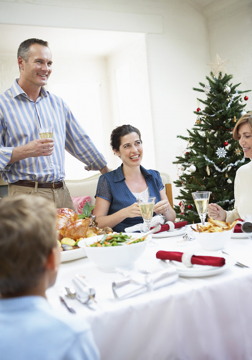 Stressed about family dynamics during the holidays? Use these tips to help.