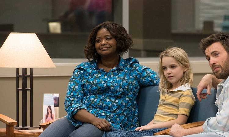 Octavia Spencer plays Frank and Mary's landlady and best friend.